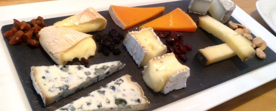Cheese board at Poncelet Cheese Bar Madrid